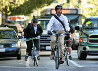 bike-commuters-richard-masoner-flickr-500.jpg
