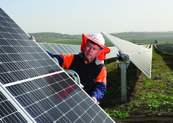 pullout_biz_don_solar_farm.jpg