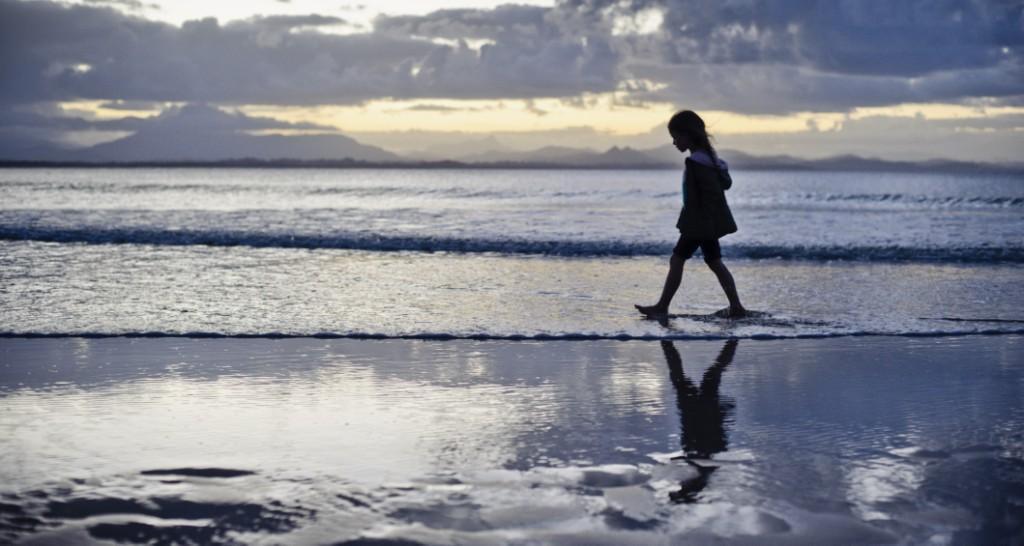 sustainability_child_walking.jpg