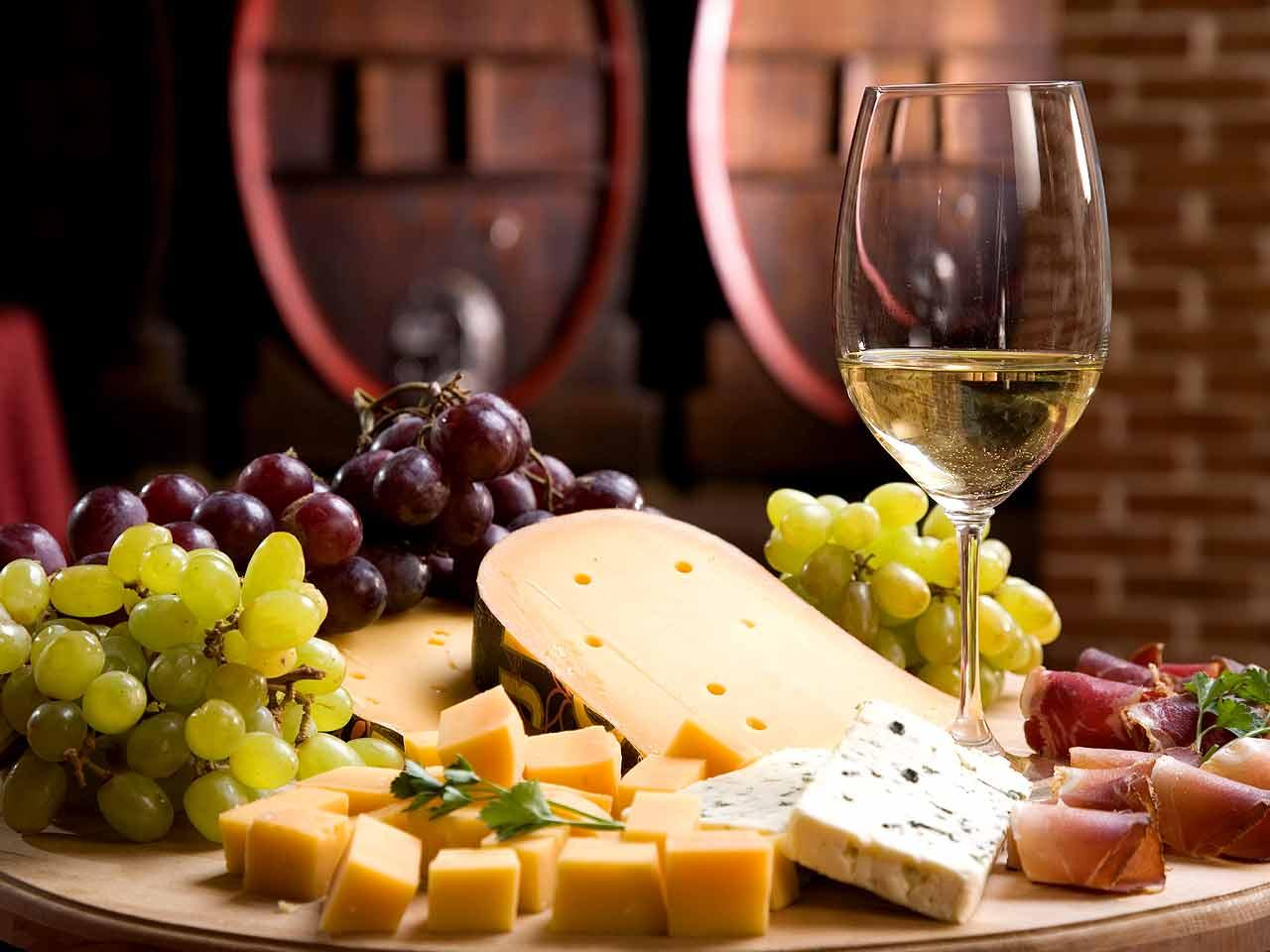 1511_-_Wine_and_Cheese.jpg