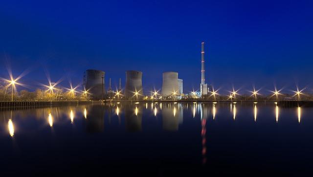 power-plant-2259713_640.jpg