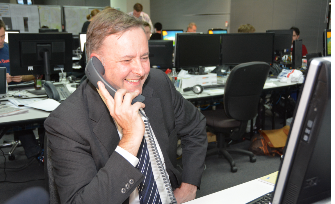 Check out Albo thanking Heidi for her donation to the campaign