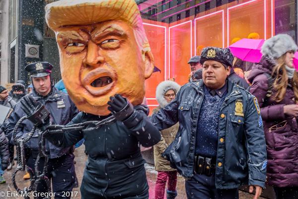 Trump-2CopsNYC1.jpg