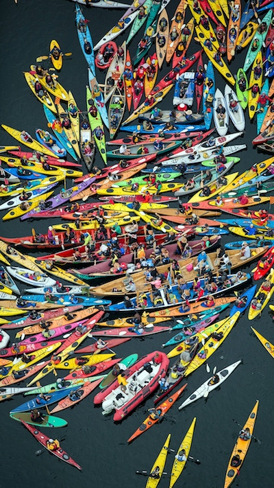 KayakMosaicVerticle400px.jpg