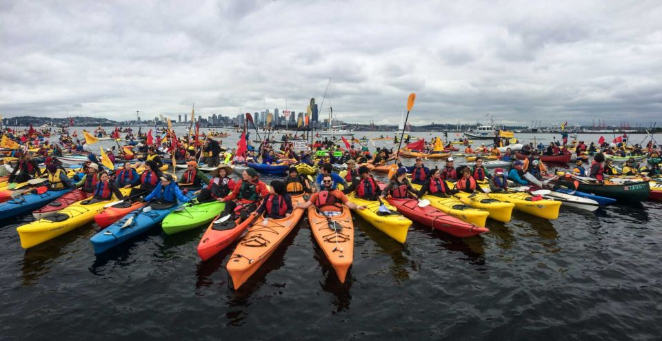 kayaktivists_shellno_paddle_in_seattle.jpg