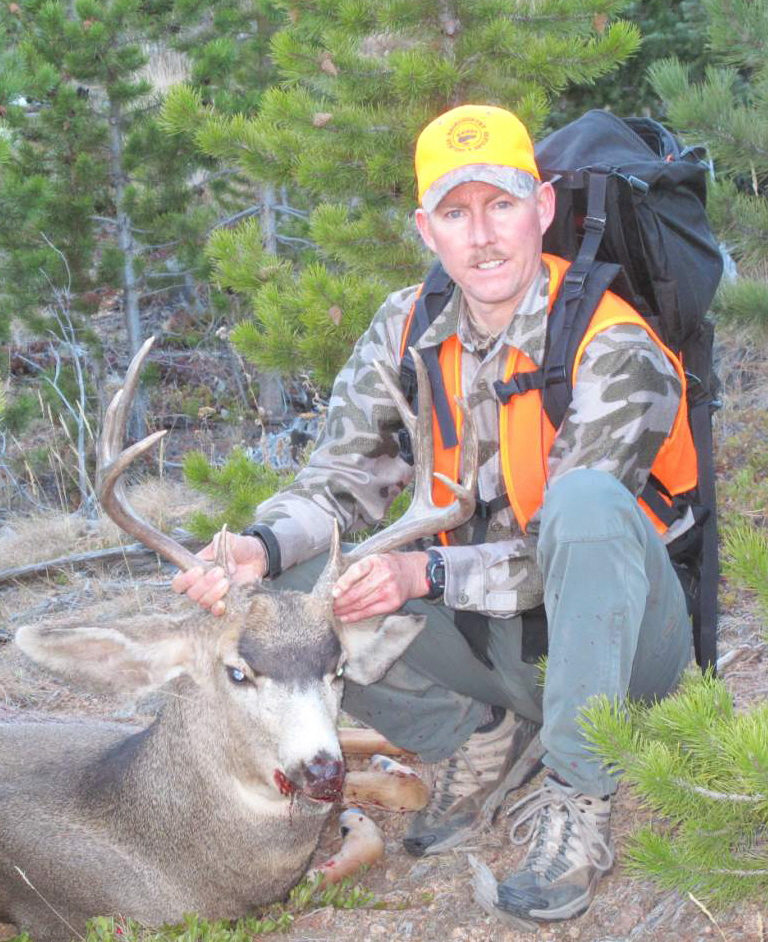 4-Paul_Vertrees-CO_Mule_Deer.jpg