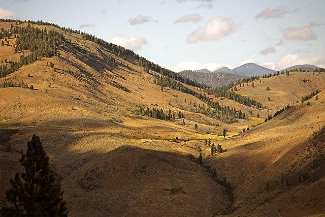 640px-Methow_Valley.jpg