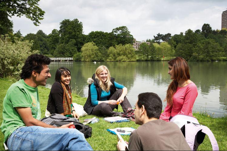 summer-students.jpg
