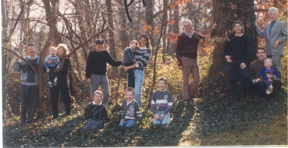 FamilyReunion-19888968.jpg