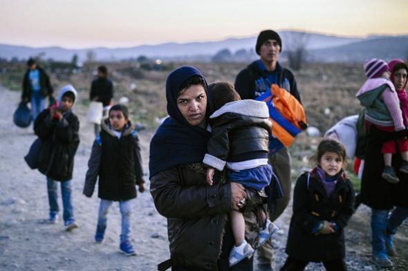 SyrianRefugeesInMacedonia.jpg