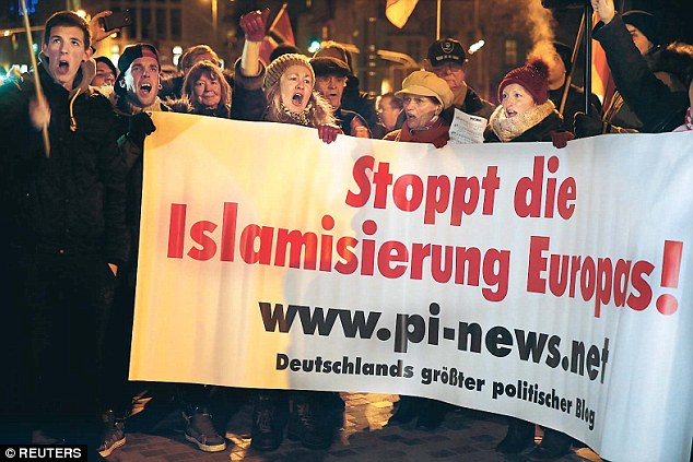 Islamization-protest-sign62.jpg
