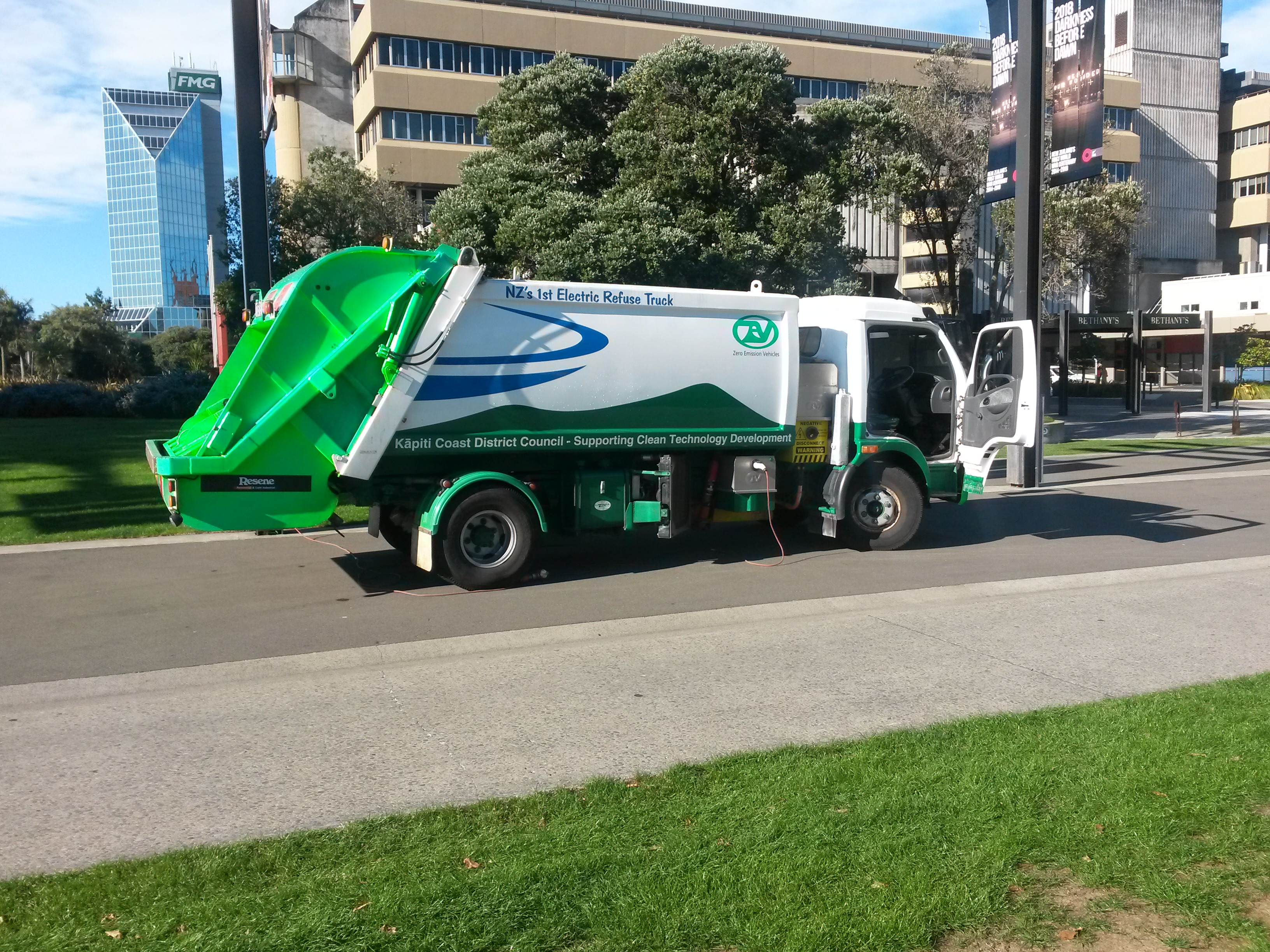 ev_rubbish_truck.jpg