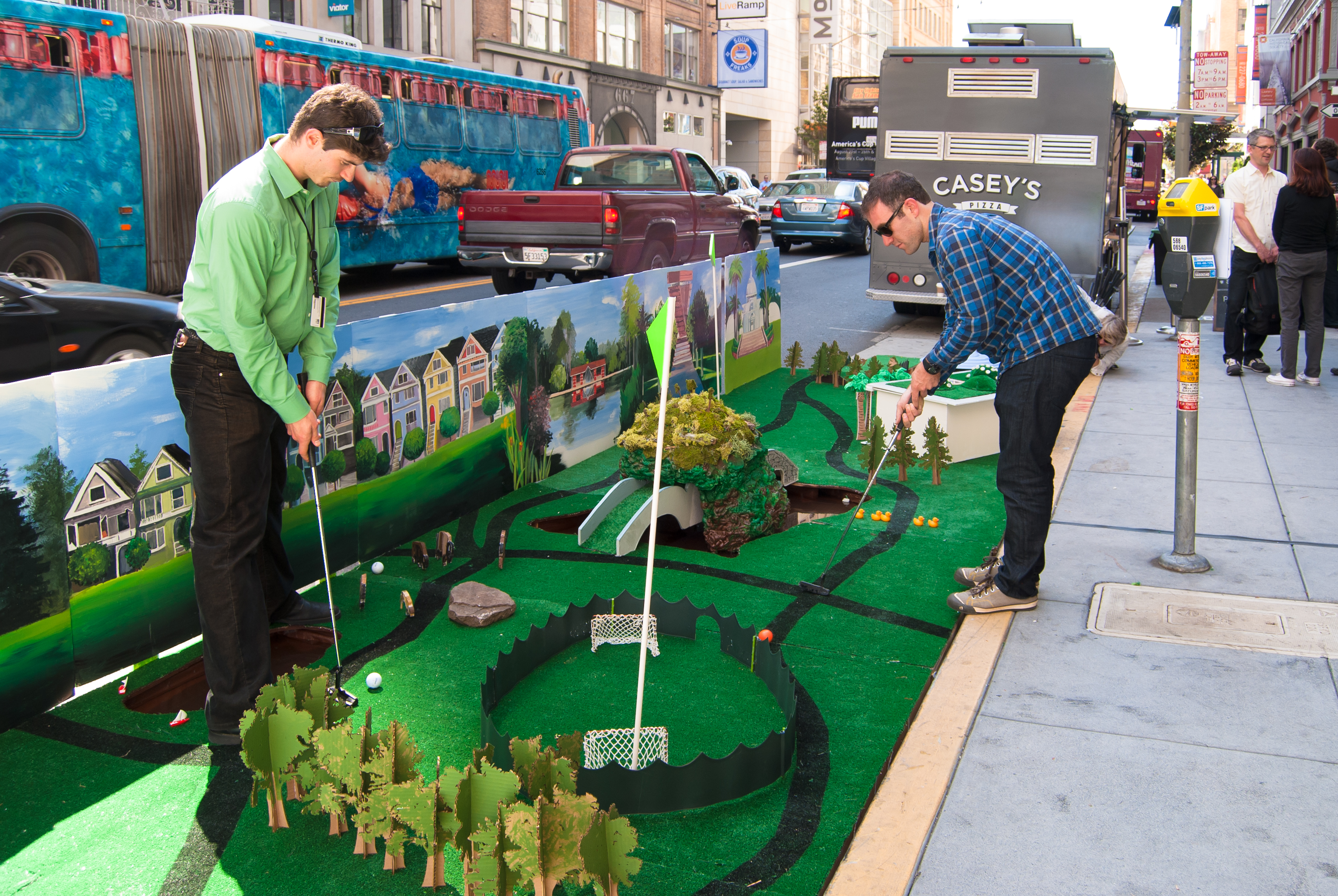 Golden_Gate_parklet_2012_credit_Sergio_Ruiz_thumb.jpg