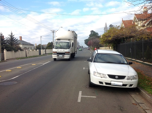 Elphin_Rd_I_smaller_with_no_licence_plate.jpg
