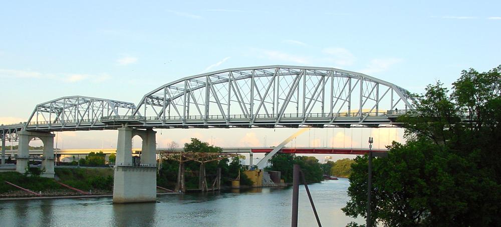 Shelby_street_bridge_day.jpg