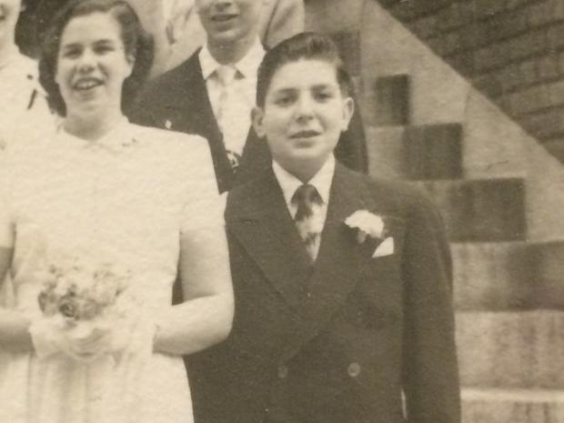 leonard-cohen-in-1949.JPG