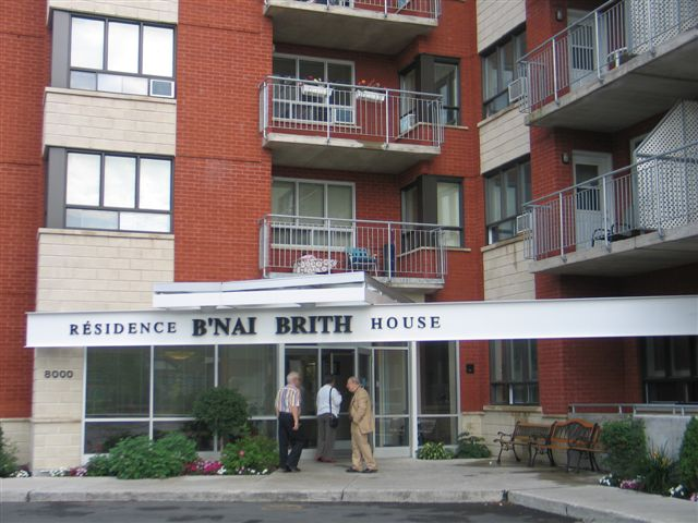 bb-house-montreal-001.jpg