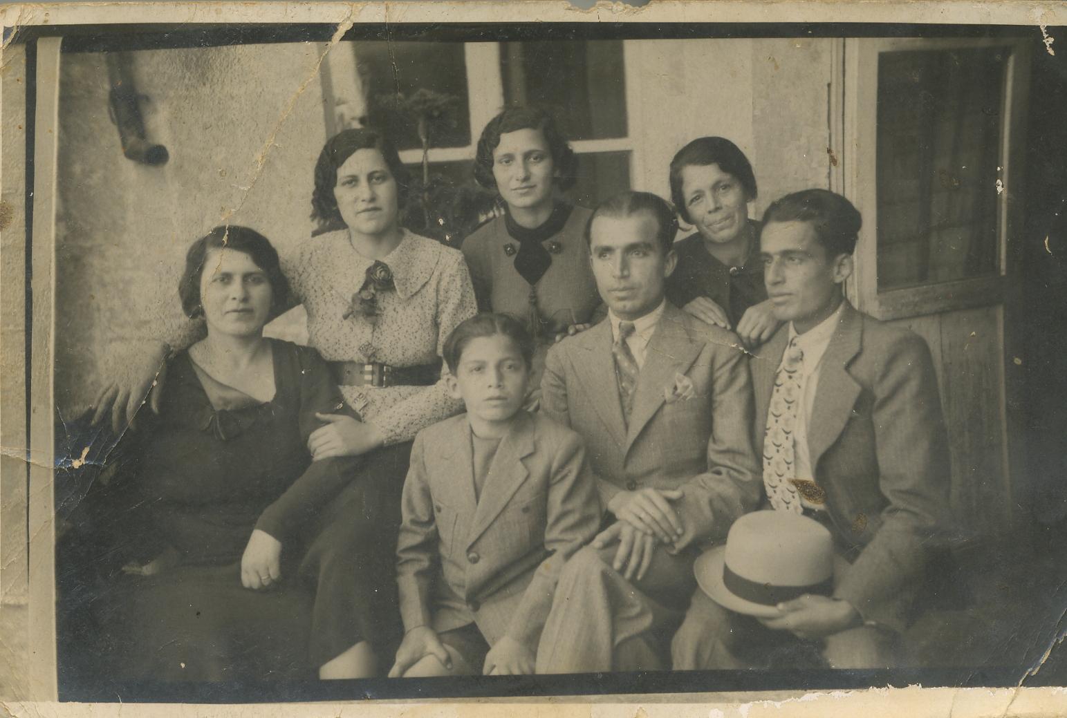 Esses_family__Syria.jpg