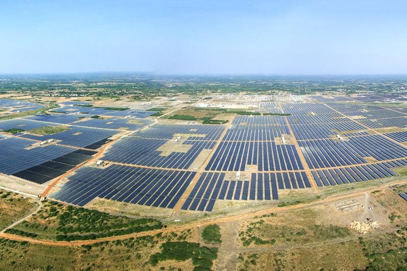 Kamuthi solar-power installation, Tamil Nadu. Wikipedia