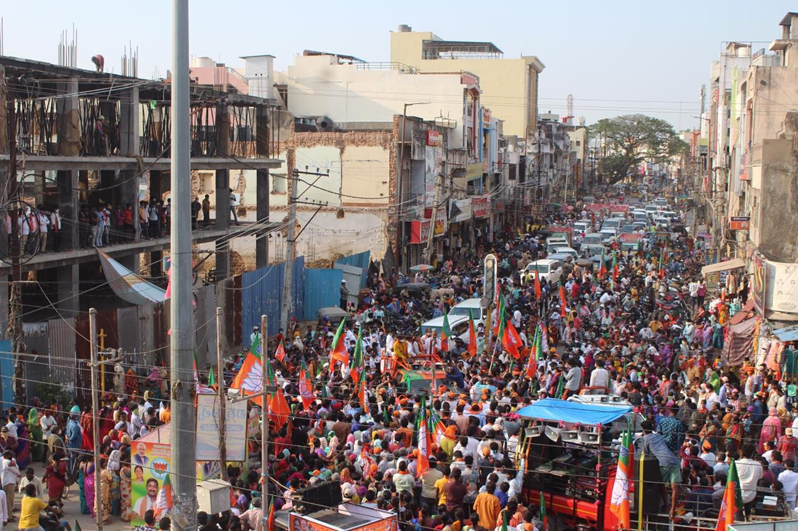 Major political rallies are described as super-spreaders of India's calamitous second wave of COVID infections. Courtesy CNN