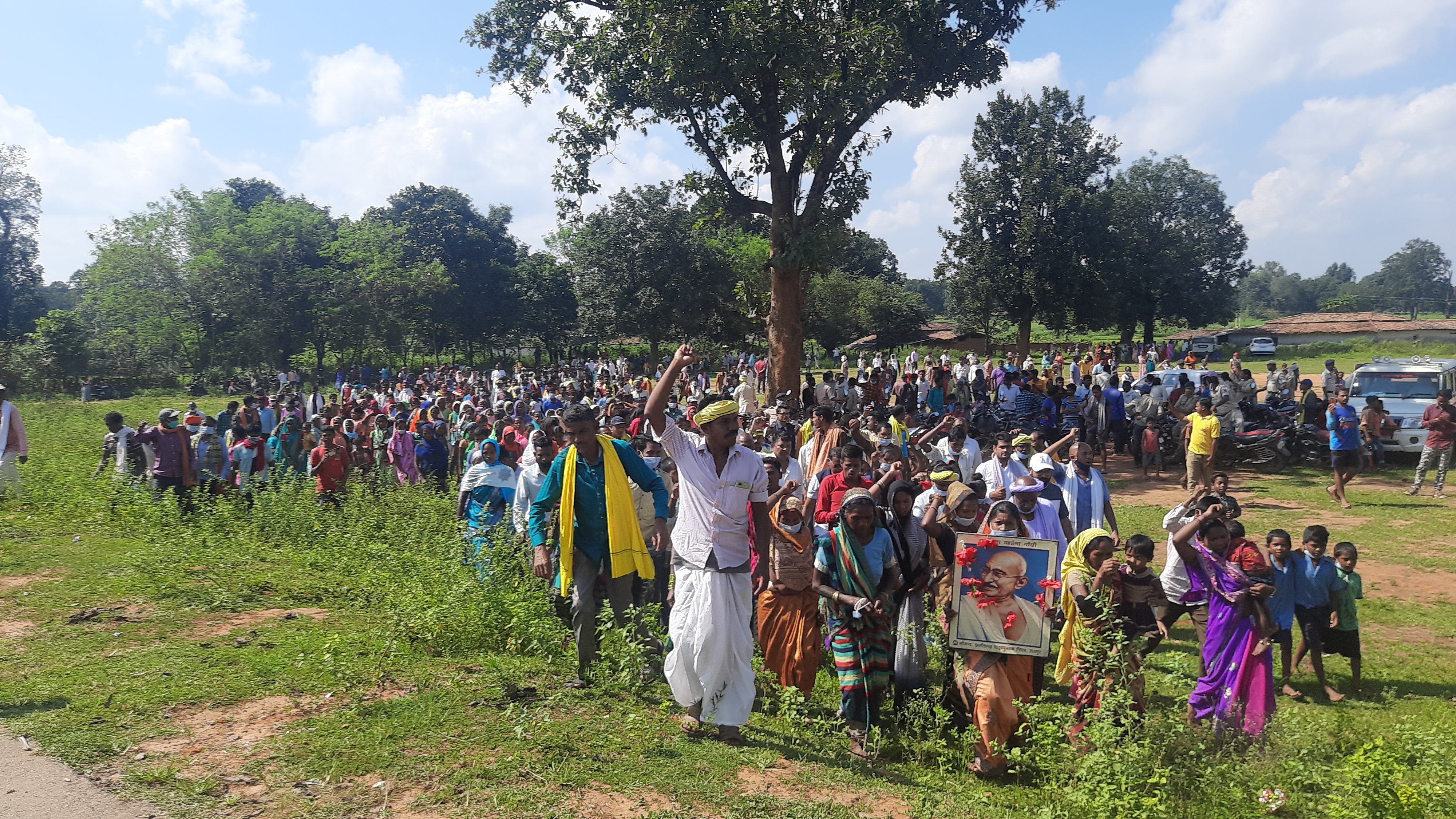 The gathering ended with an impromptu march around Fatehpur village, threatened by obliteration for an Adani-operated coal mine. Photo by a special correspondent.