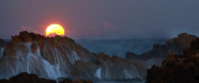 21_-_Moonset__Tarkine_Coast_-_Arwen_Dyer_-_small.jpeg