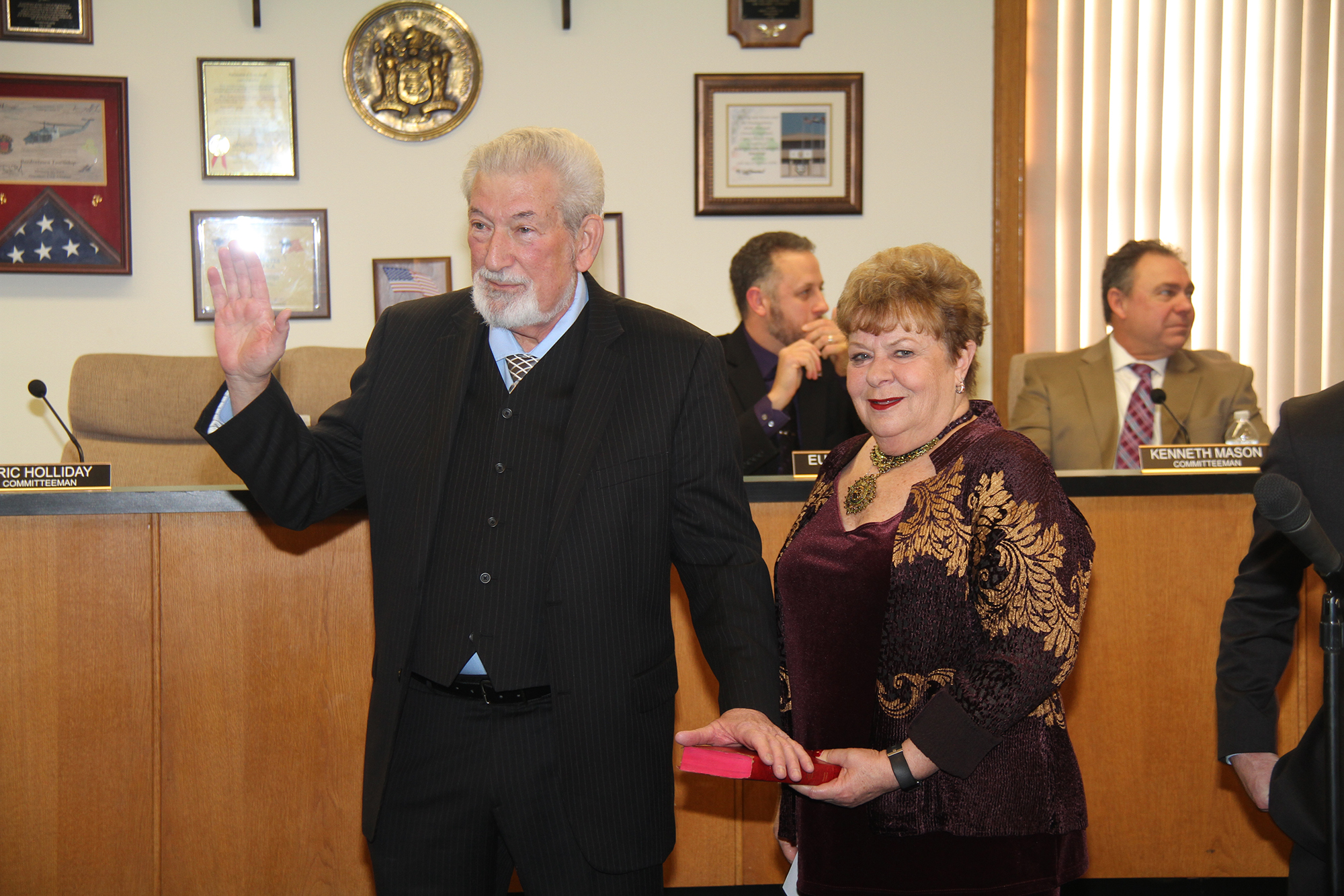Mayor_Benowitz_with_his_wife_Ellen.JPG
