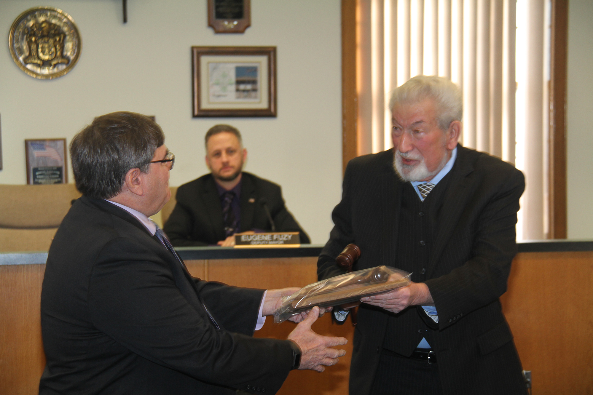 Passing_of_the_Gavel_from_former_Mayor_Jim_Cann_to_Current_Mayor_Steve_Benowitz.JPG