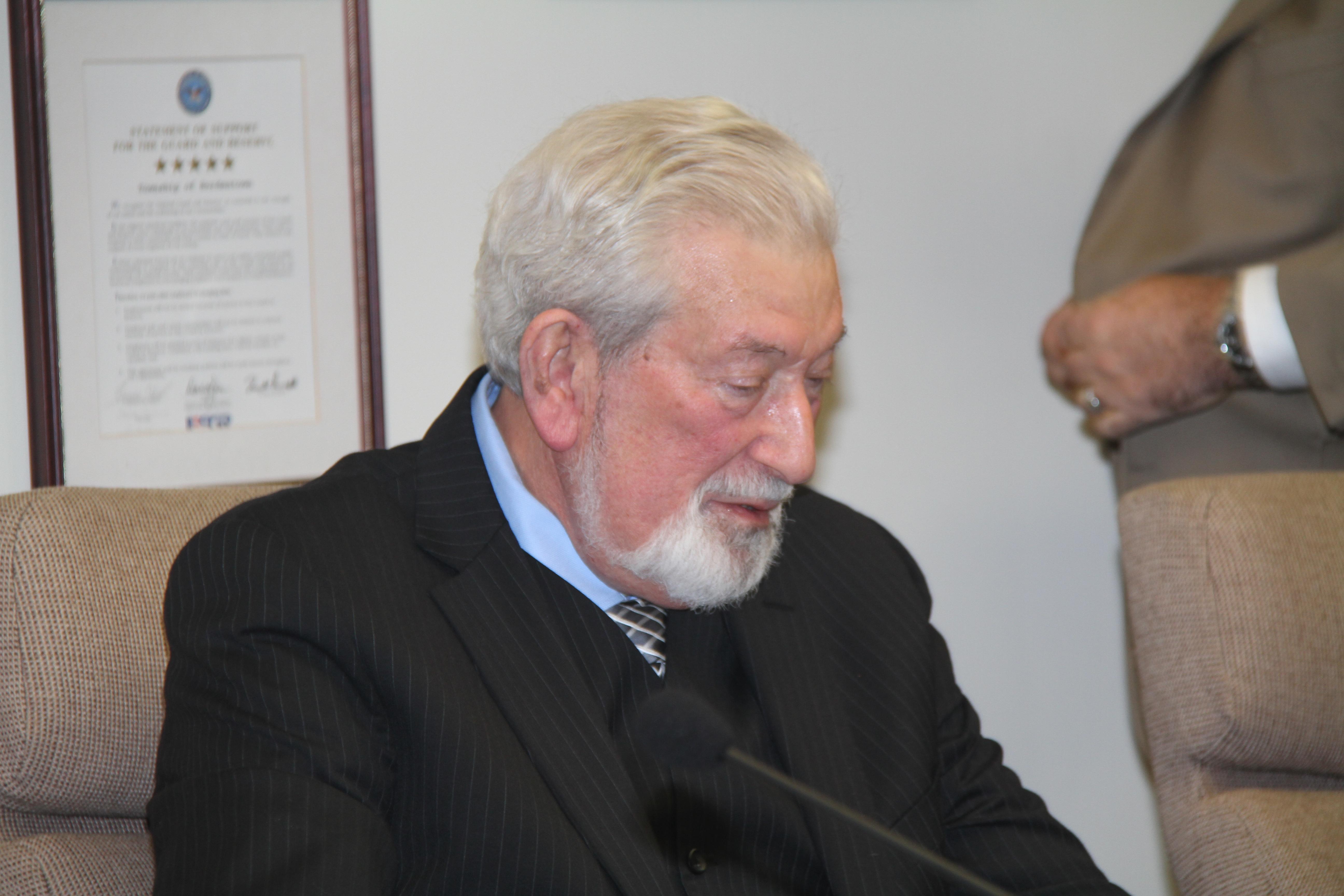 Mayor_Benowitz.JPG