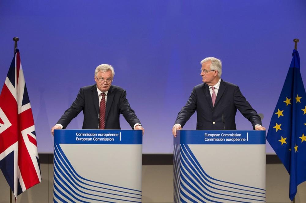 davis-barnier-brexit-negotiations.jpg