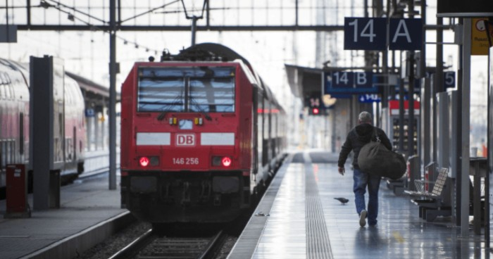 Austria: Syrian fare dodger threatened train conductor with