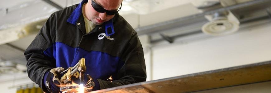 apprentice-welder.jpg.jpg