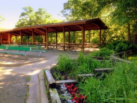 Picnic_Shelter_W_Bush_Lake_Park.jpg