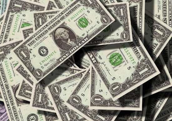 Stack_of_Dollar_Bills.jpg