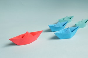 paper-boats-on-solid-surface-194094.jpg