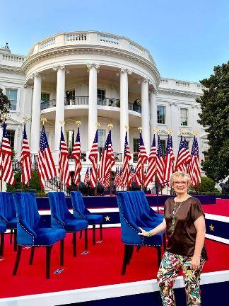 Barb_Sutter_at_White_House.jpg