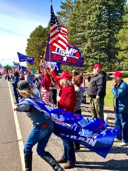 Duluth_Trump_Supporters_Sept_18_For_Newsletter.jpg