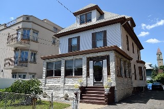House_beside_apartment_residential-g2f5a28f00_640.jpg