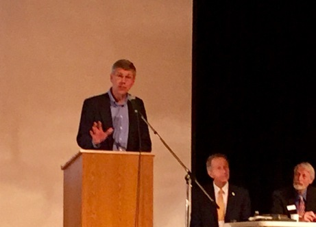 Erik_Paulsen_at_April_9_Convention.jpg
