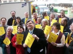 Lib Dem candidates and activists join David Howarth to launch the 2006 manifesto