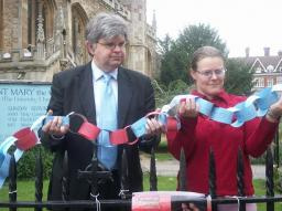 David Howarth and Jenny Auton with paperchain