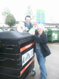 Colin Rosenstiel and Philippa Slatter recycling tetrapacks