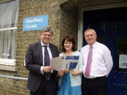 Howarth visits Headway