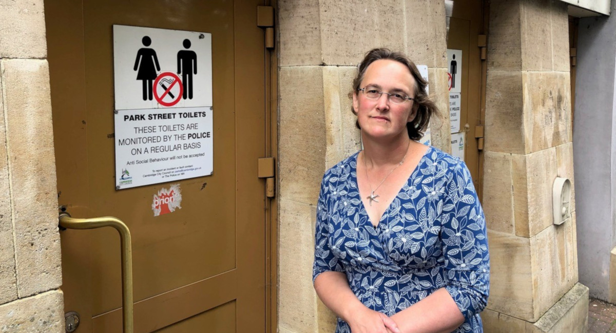 Lib Dems campaign for retention of Park Street public toilets, call-out Labour double standards