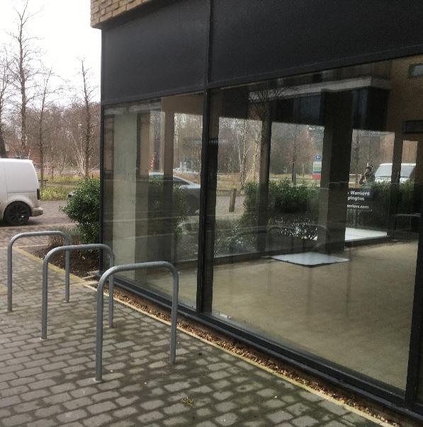 Empty_shops.jpg