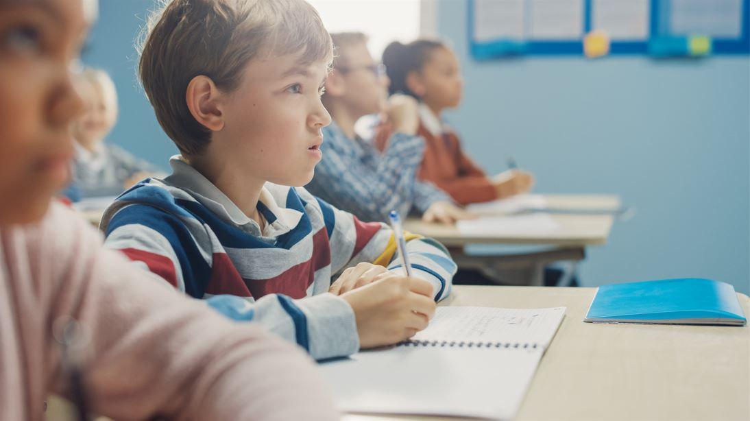 Des élèves de 10 ans ne doivent pas révéler à leurs parents les questions posées en matière d'identification de genre