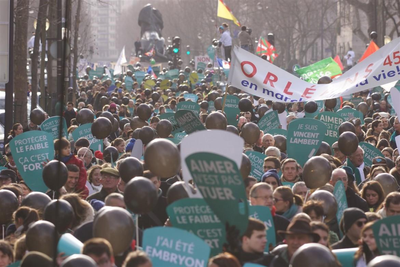 marche-pour-la-vie-paris-2015.jpg
