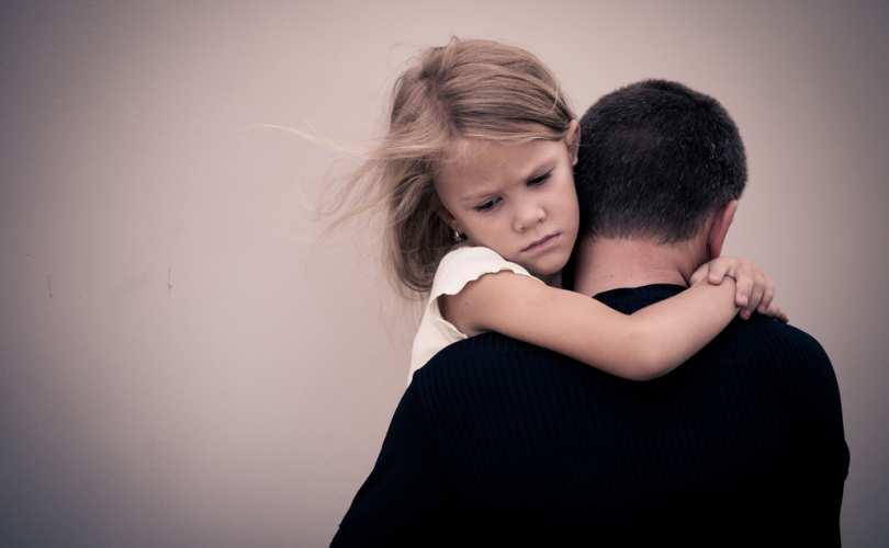 sad_dad_daughter_810_500_55_s_c1.jpg
