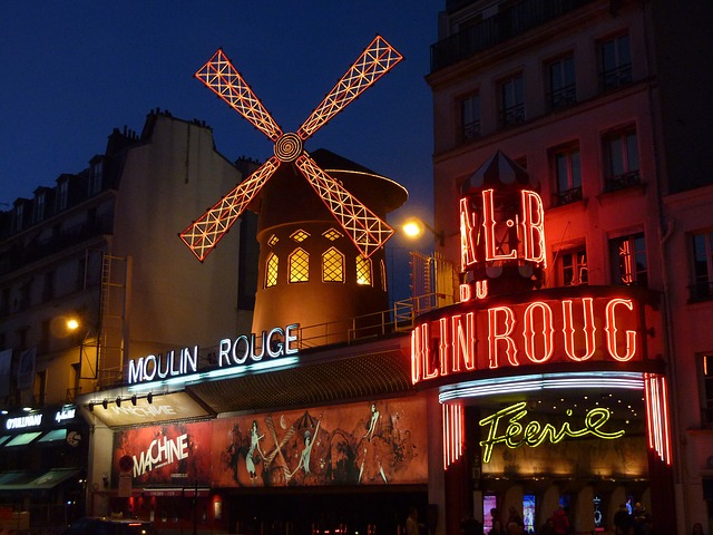 moulin-rouge-392147_640.jpg