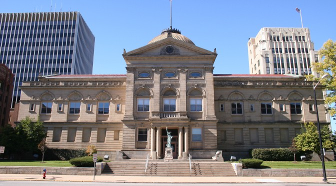 South-bend-indiana-courthouse-672x372.jpg